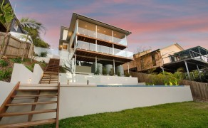 Coastal Contemporary Pittwater Upstairs Addition